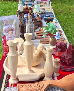 Household items and souvenirs made of wood